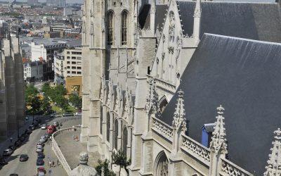 De kathedraal van buiten uit